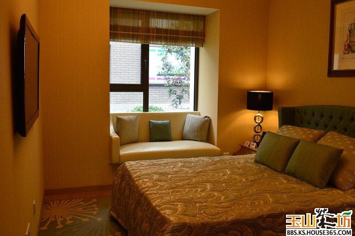 背景墙 房间 家居 酒店 设计 卧室 卧室装修 现代 装修 700_465