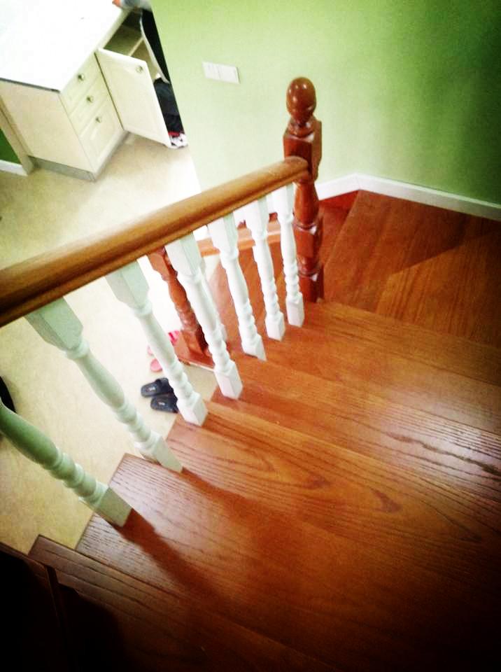 依诺楼梯江宁文博苑美国红橡包板楼梯装修效果图