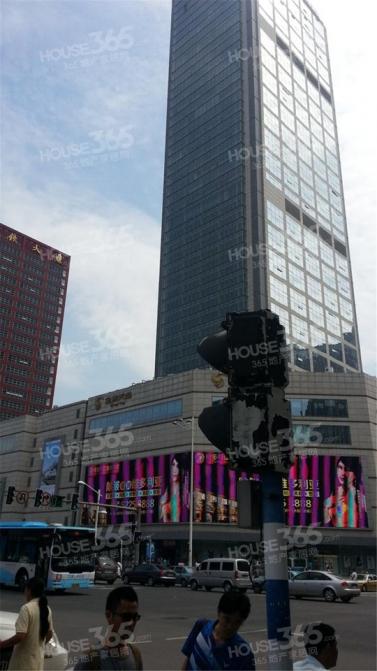 君临国际38平米精装可注册2011年建
