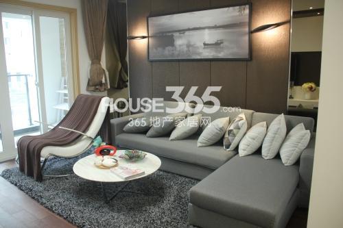 星榈湾C户型2室2厅2卫1厨92平样板间客厅
