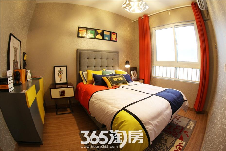 万科海上传奇16#楼A2户型约92平样板房—卧室