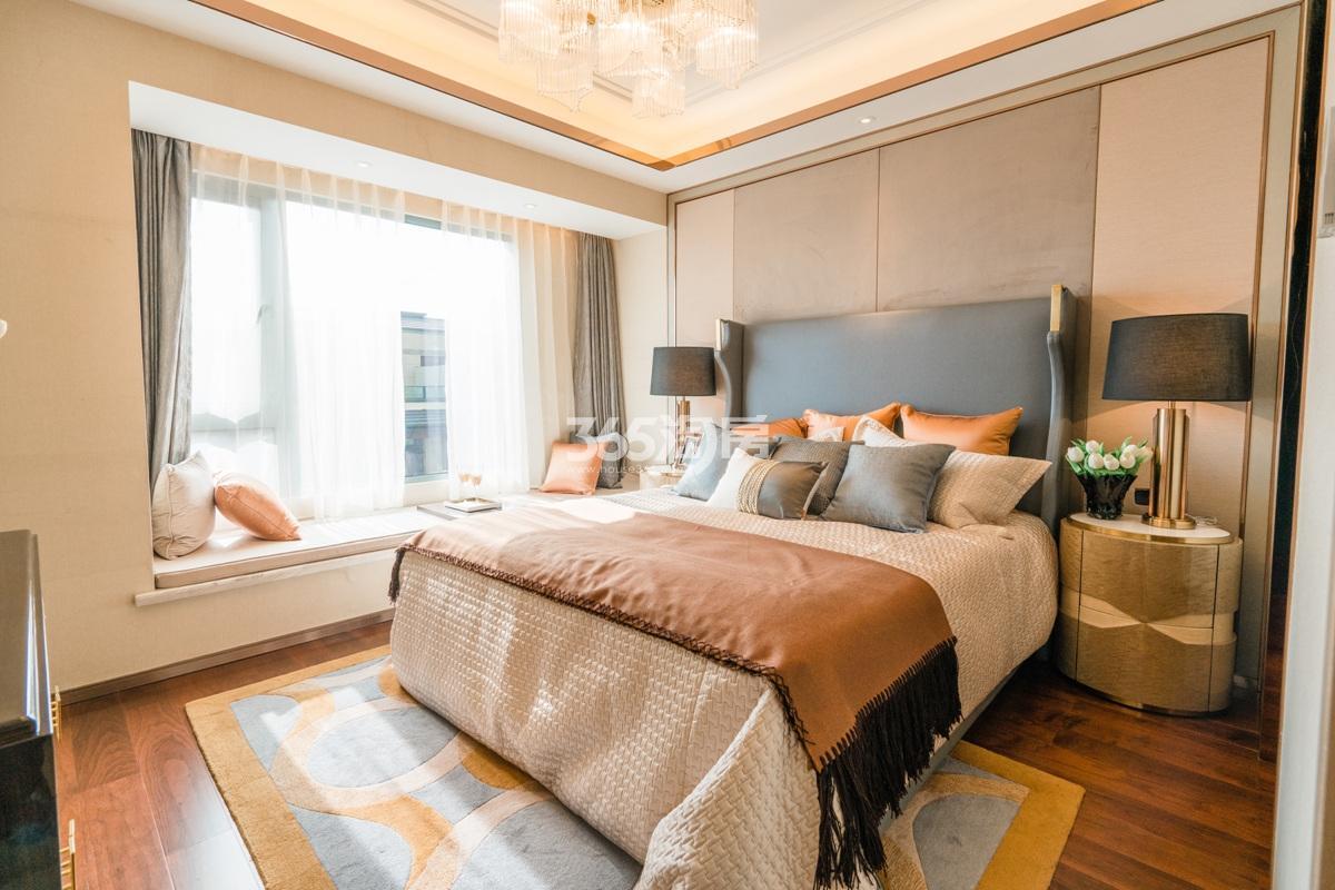 融信澜天高层109方(C1户型)样板房—卧室