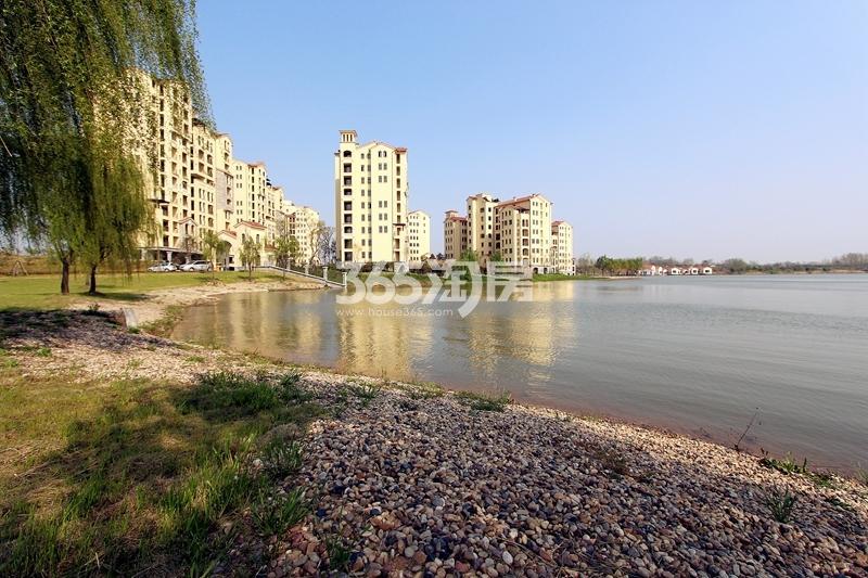 江扬天乐湖实景图